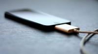 Μύθοι και συμβουλές για τη σωστή φόρτιση των smartphones